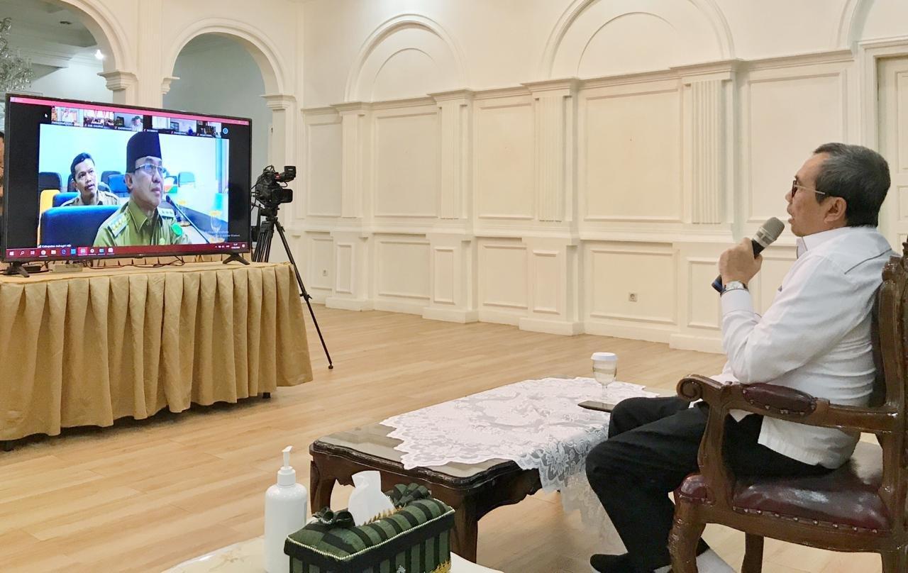 Gubernur Teleconference dengan Bupati/Walikota Se-Riau, Berikut Poin Pentingnya