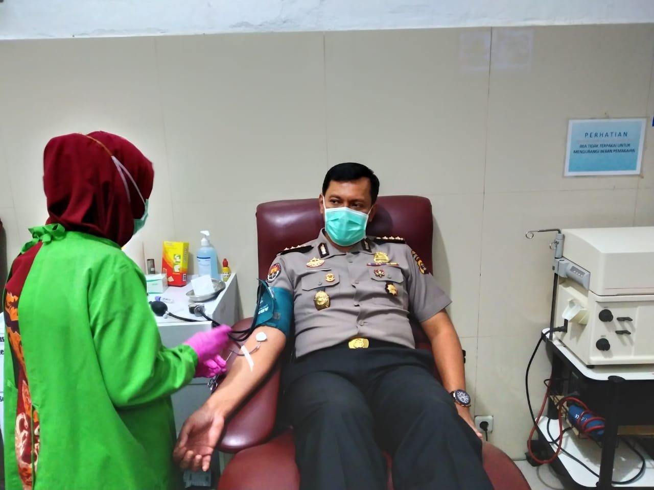 PMI Kekurangan Darah, Mantan Kapolres Meranti Zahwani Pandra Arsyad Turun