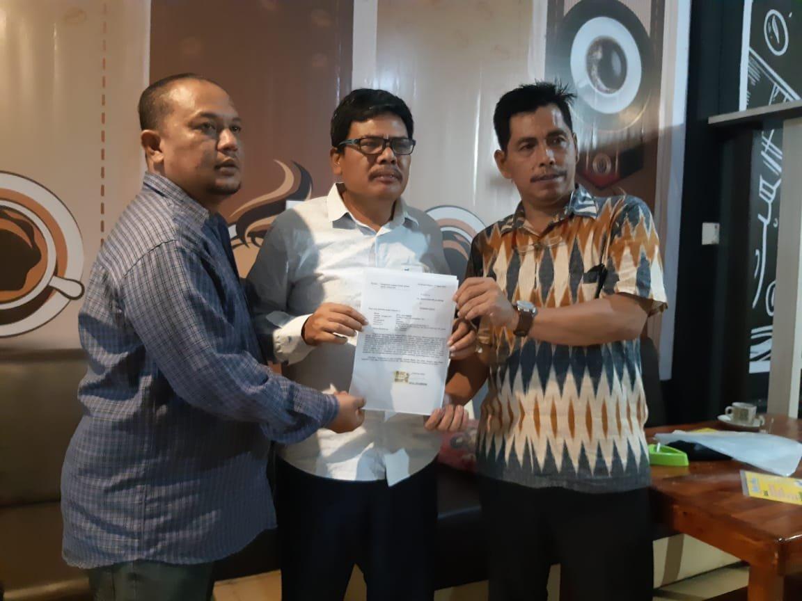 Bravo 5 Pelalawan Laporkan Beberapa Akun FB Penghina Jokowi ke Polres
