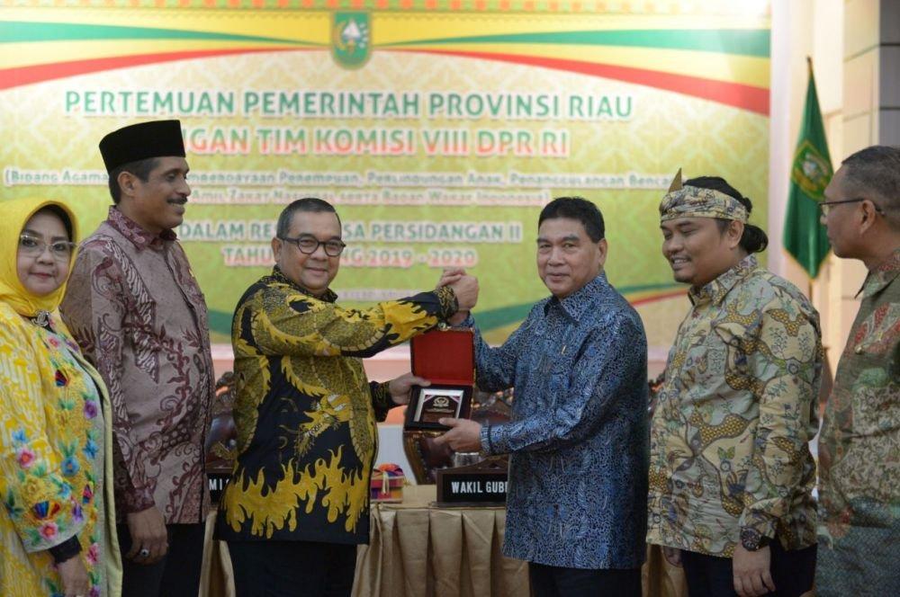 DPR RI Berjanji Percepat Embarkasi Penuh di Riau